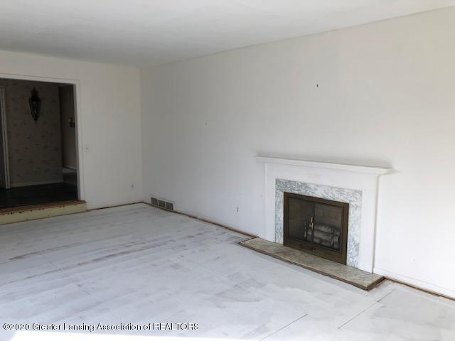 4635 Sequoia Trail - Living Room - 12