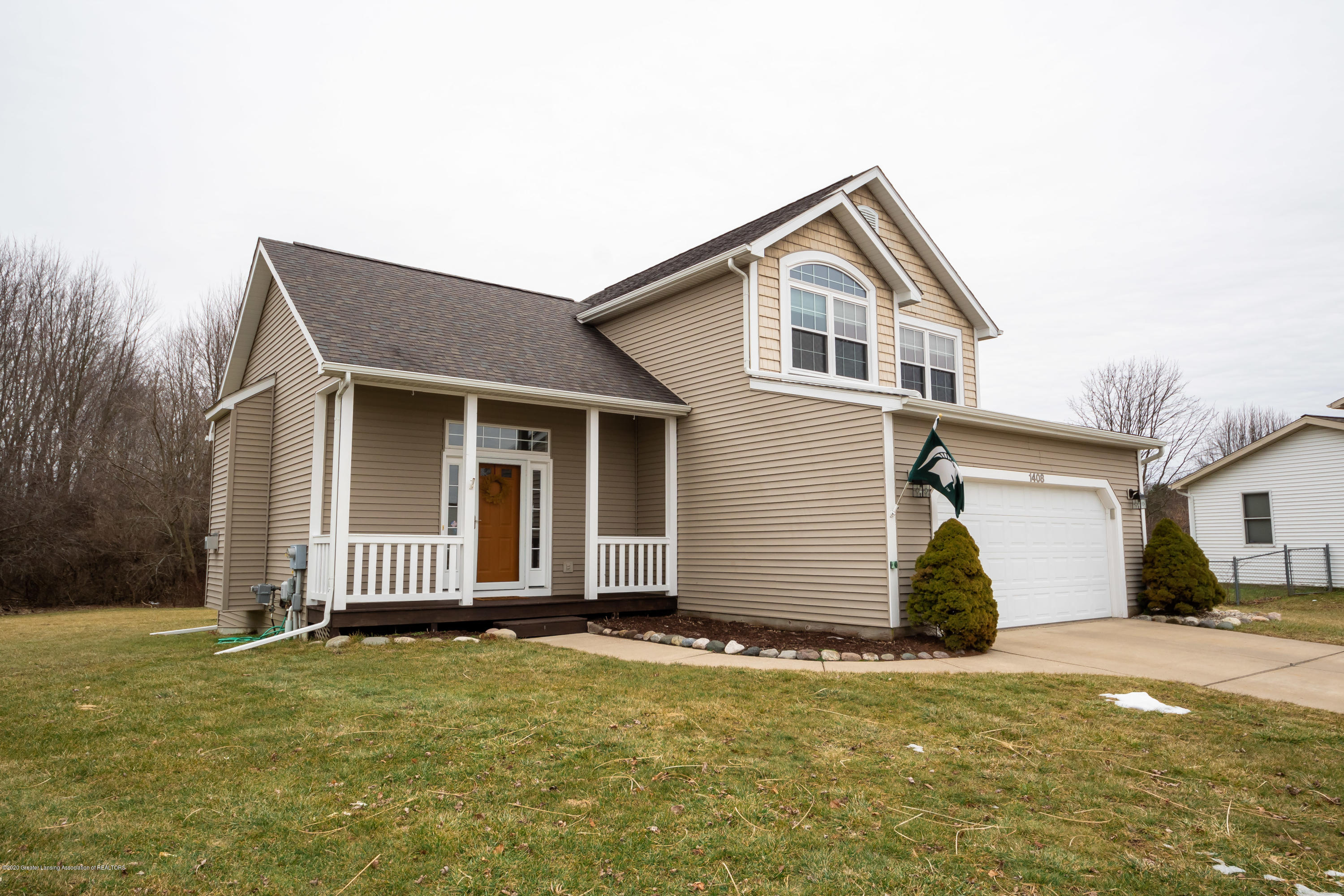1408 Yarrow Dr - Front - 2