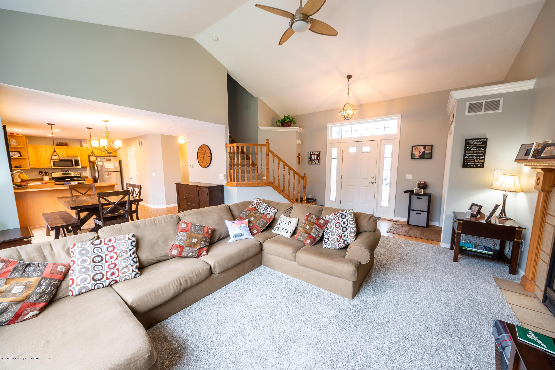 1408 Yarrow Dr - Living room - 3
