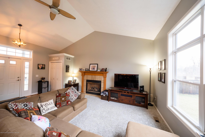 1408 Yarrow Dr - Living Room - 7