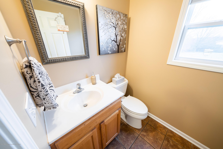 1408 Yarrow Dr - Downstairs Bathroom - 11