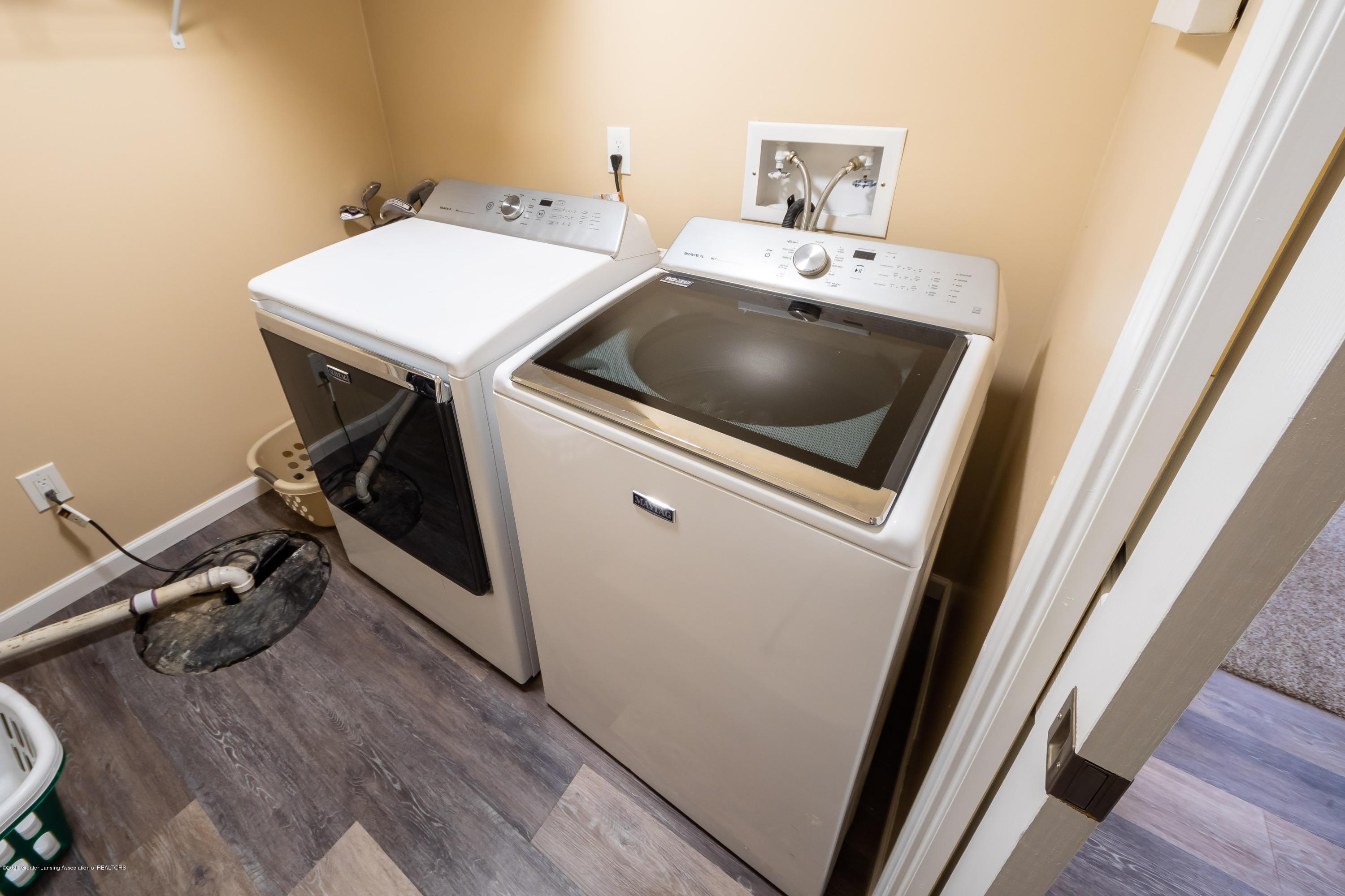 1408 Yarrow Dr - Laundry - 22