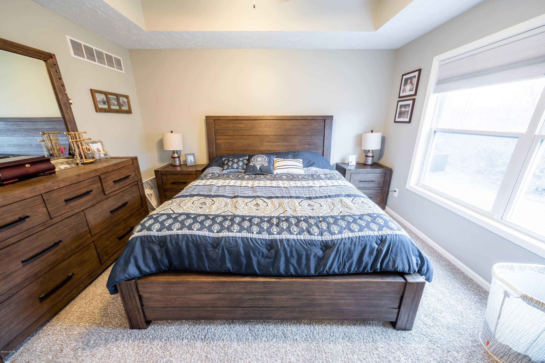 1408 Yarrow Dr - Master Bedroom - 13