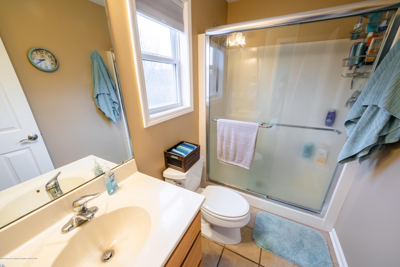 1408 Yarrow Dr - Master Bathroom - 15