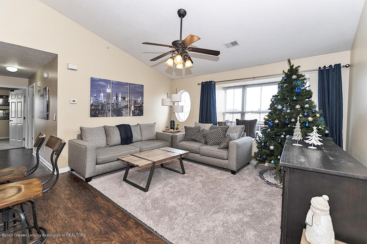 12923 Townsend Dr APT 511 - Great Room - 5