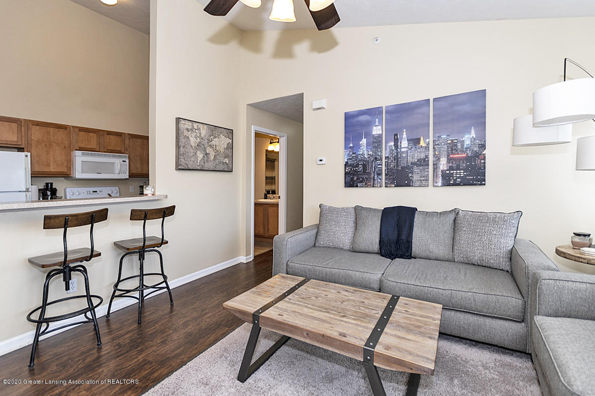 12923 Townsend Dr APT 511 - Great Room - 3