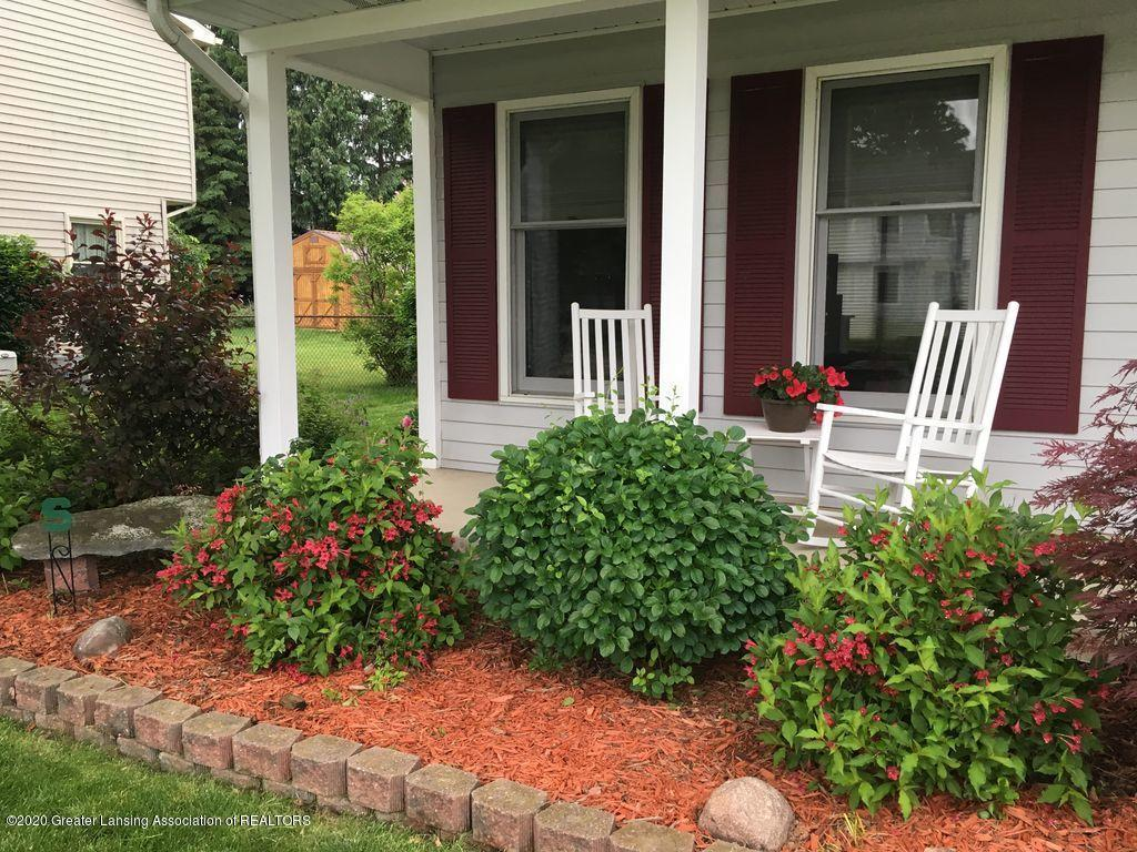 5897 Buttonwood Dr - Front flower bed - 51