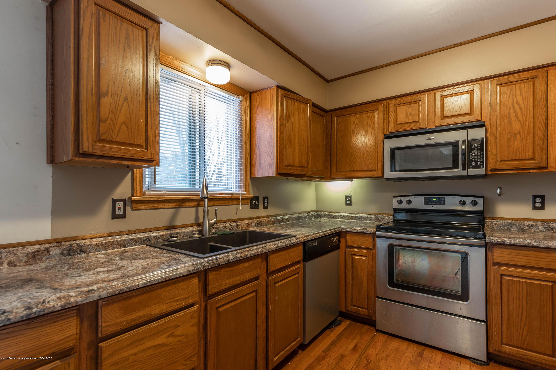 215 Oakwood St - Kitchen - 9