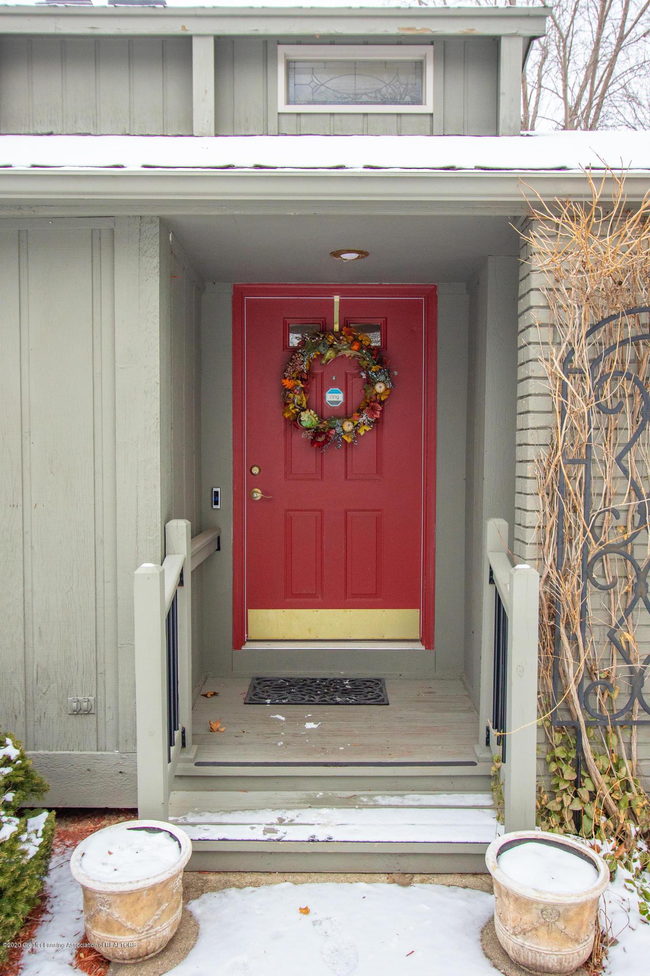 2060 Tamarack Dr - Front Entrance - 6