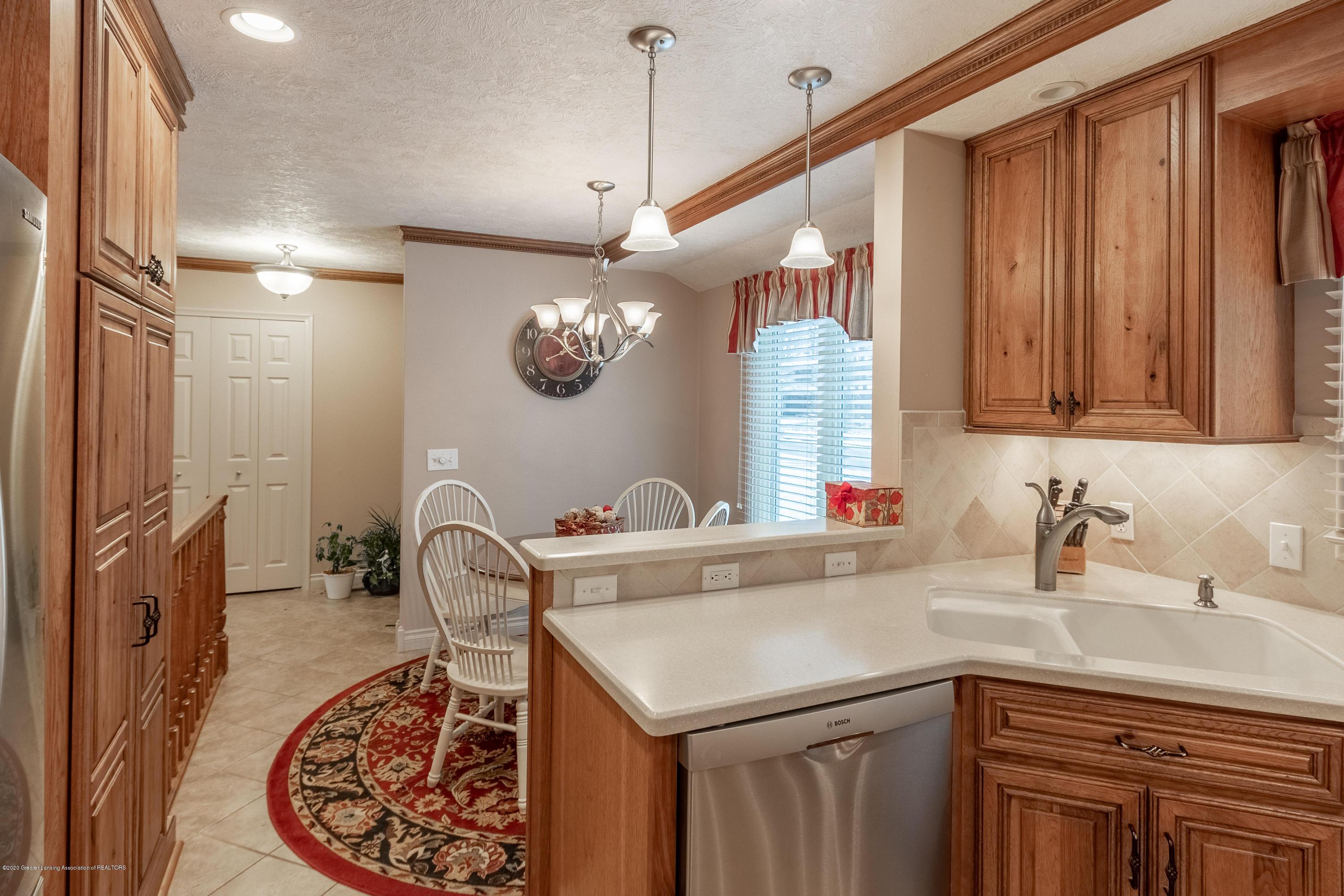 2060 Tamarack Dr - Kitchen and Dining Area - 14