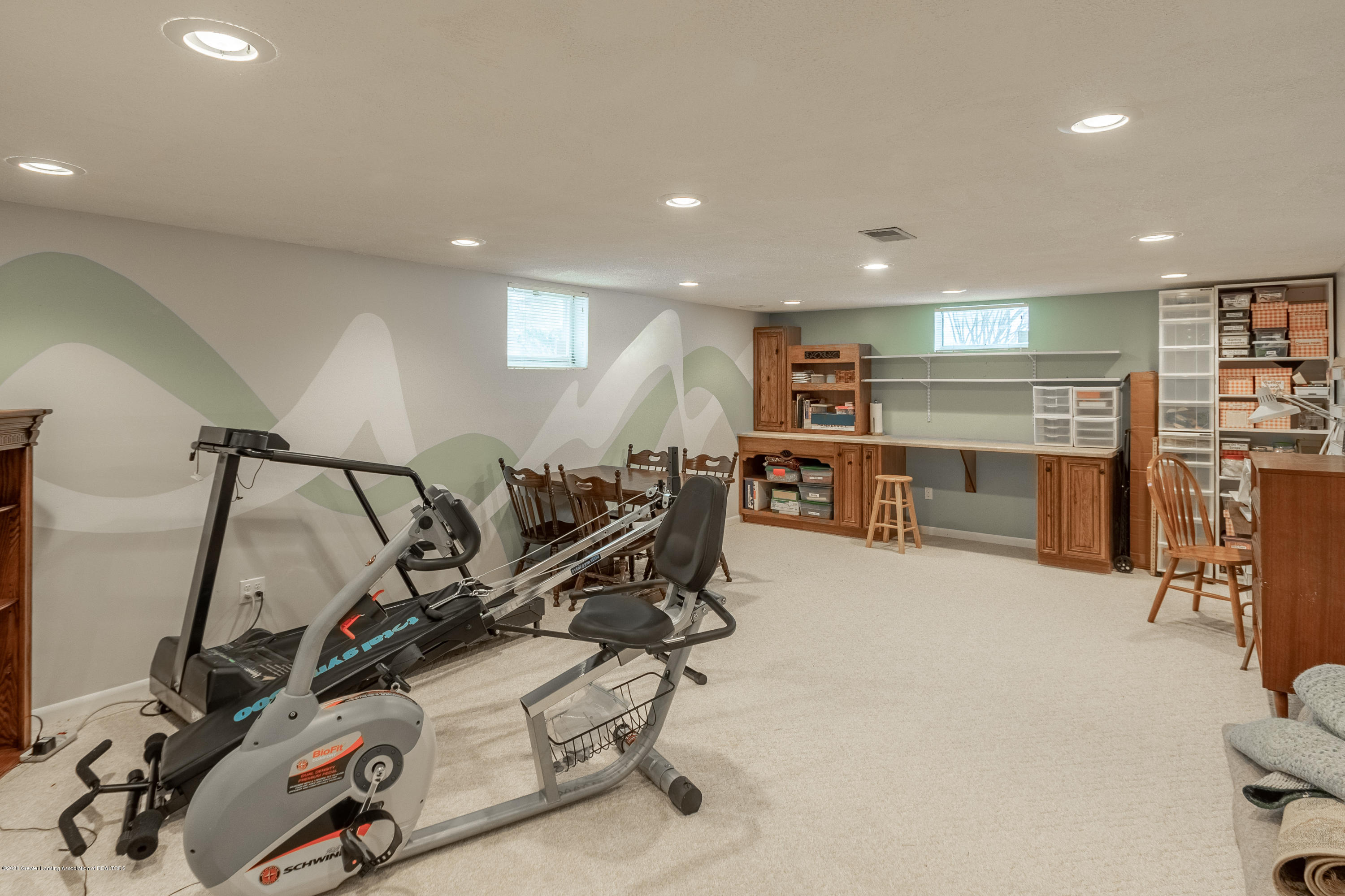 2060 Tamarack Dr - Lower Level Rec Room - 38