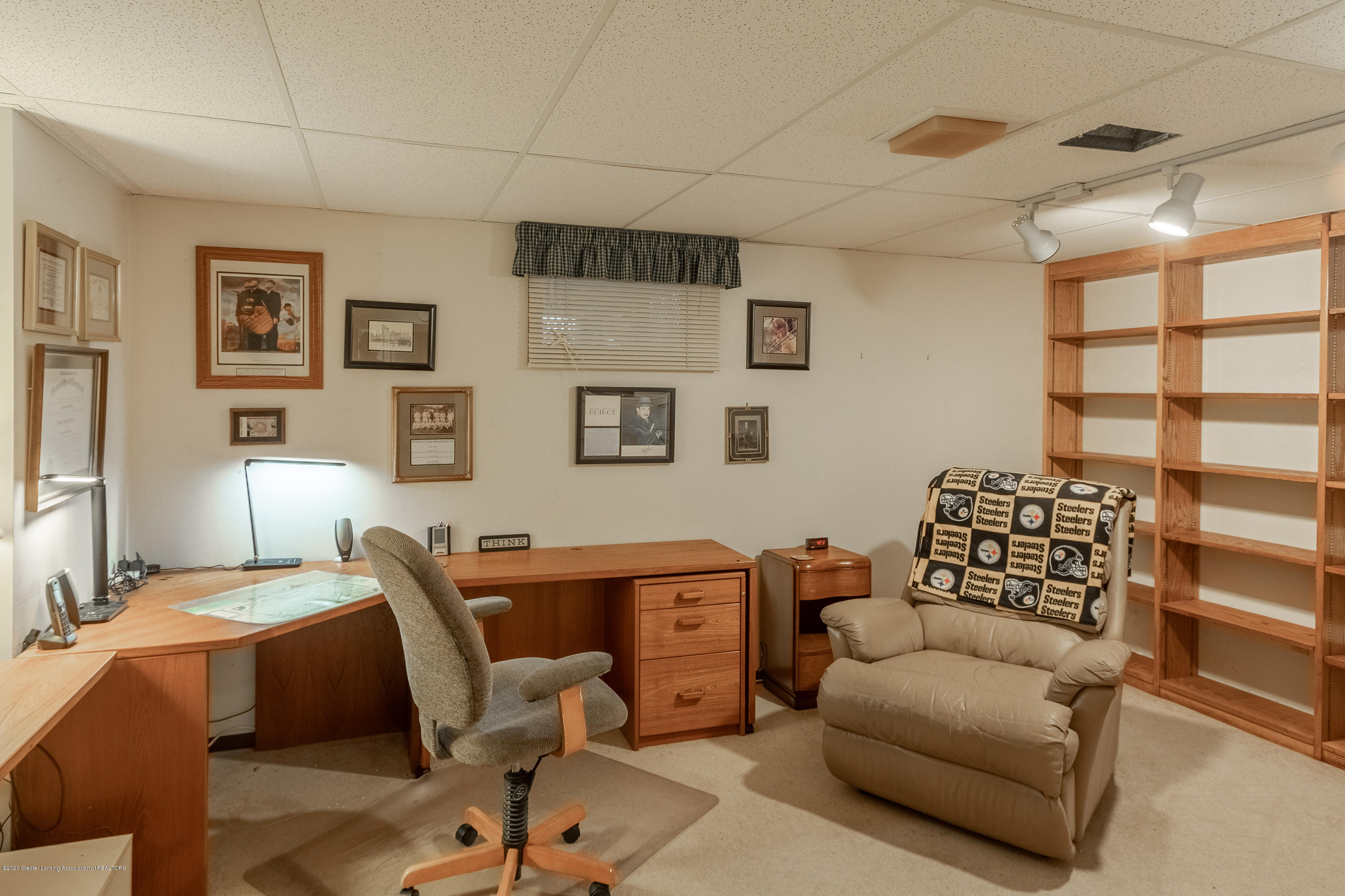 2060 Tamarack Dr - Lower Level Office - 40