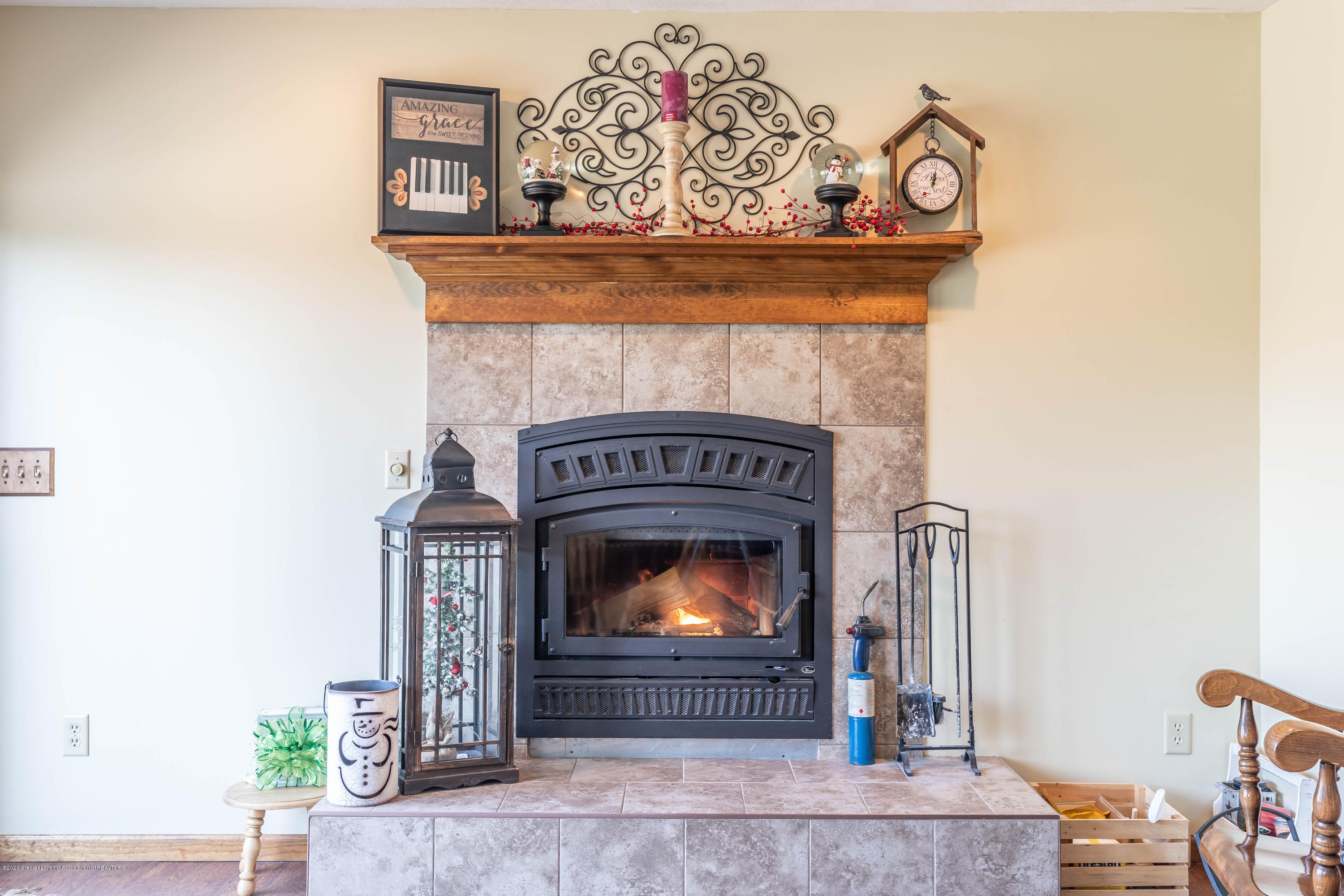 10774 S Lowell Rd - Hearth Room - 12