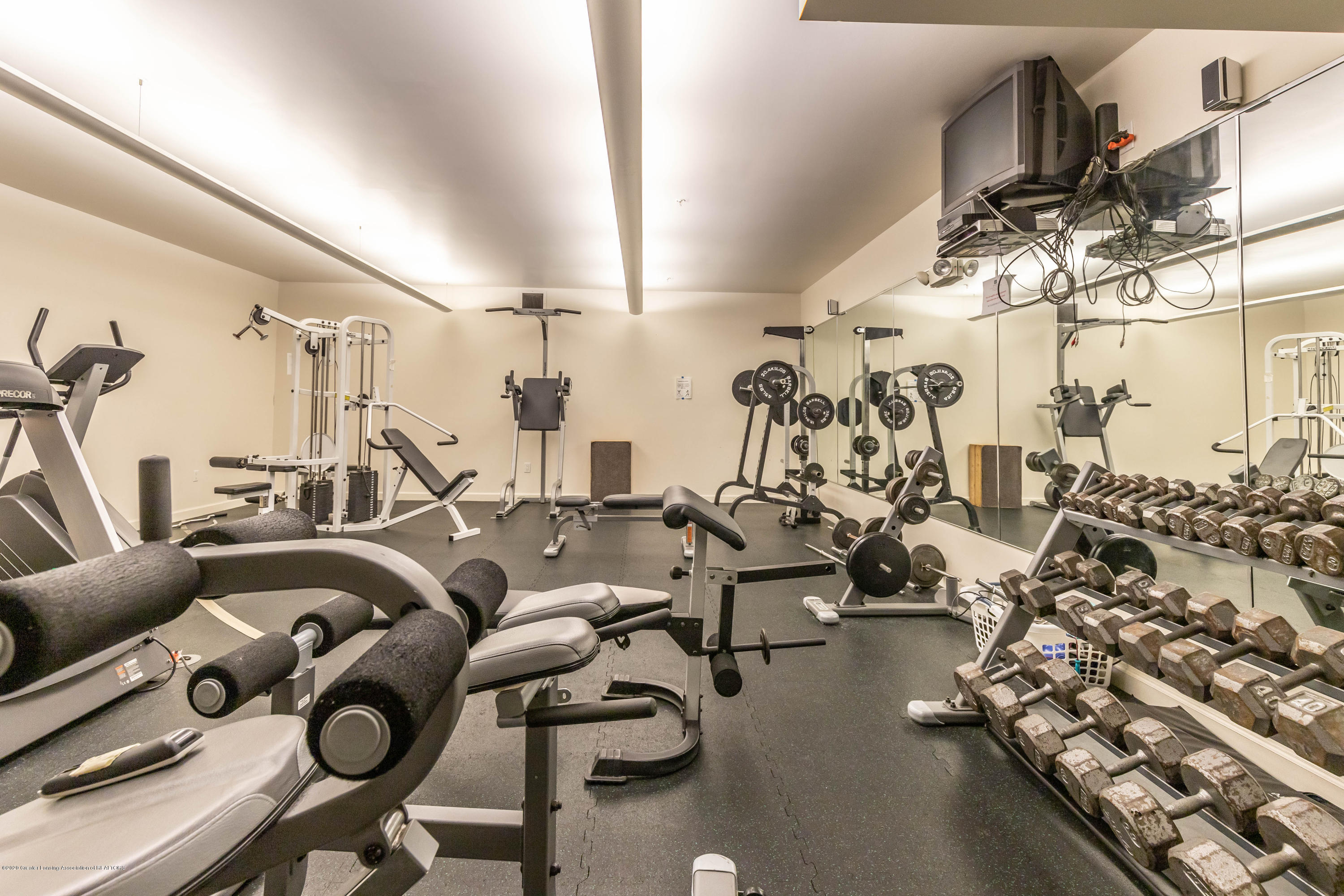 220 M. A. C. Ave Apt 313 - Workout room - 26