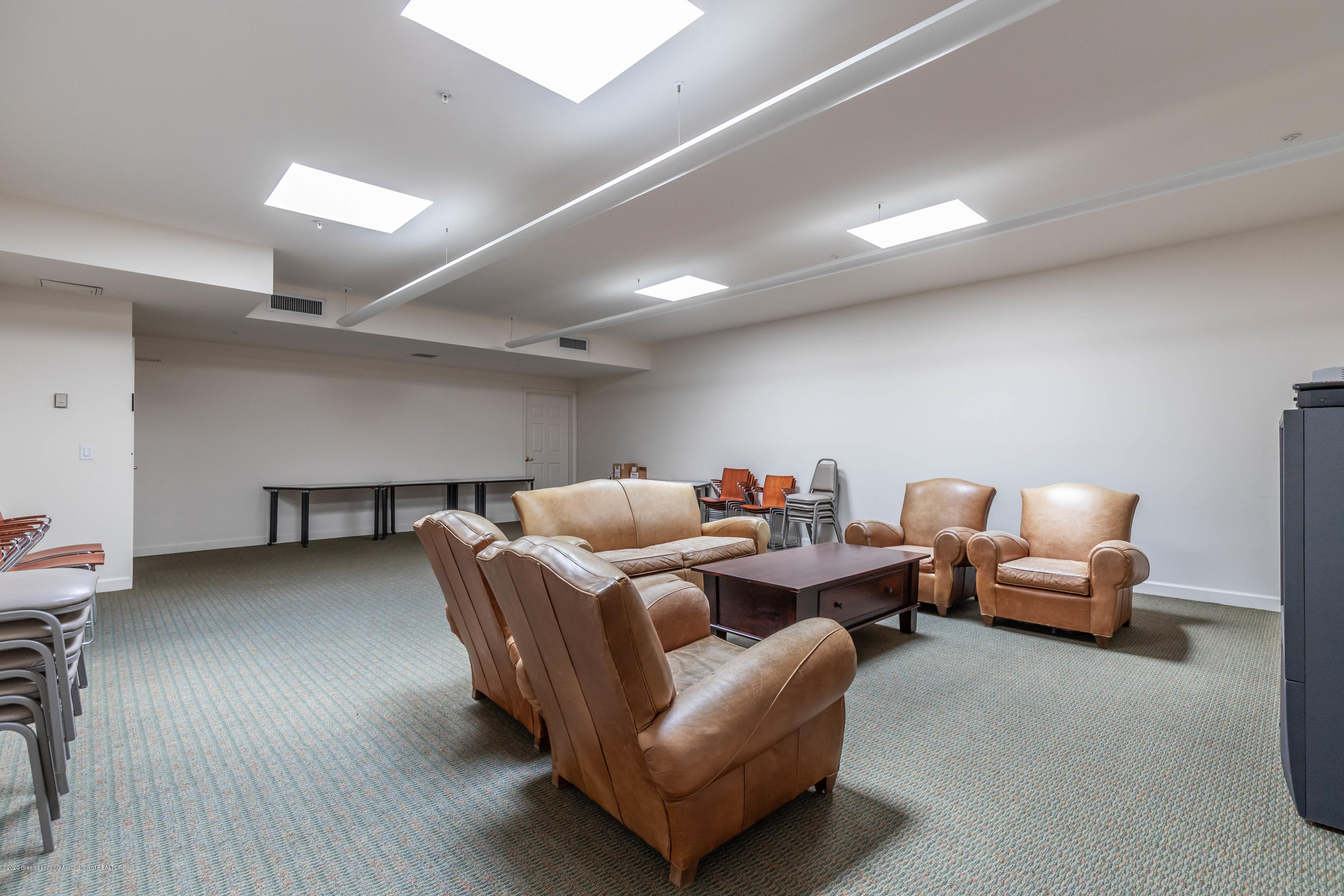 220 M. A. C. Ave Apt 313 - Media room - 27