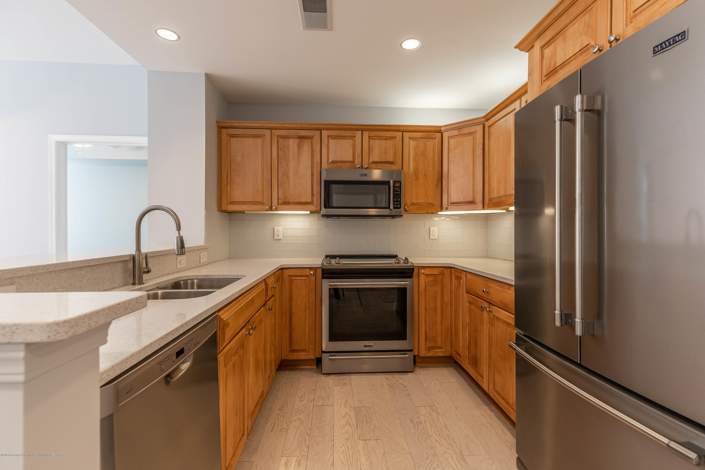 220 M. A. C. Ave Apt 313 - Kitchen - 5