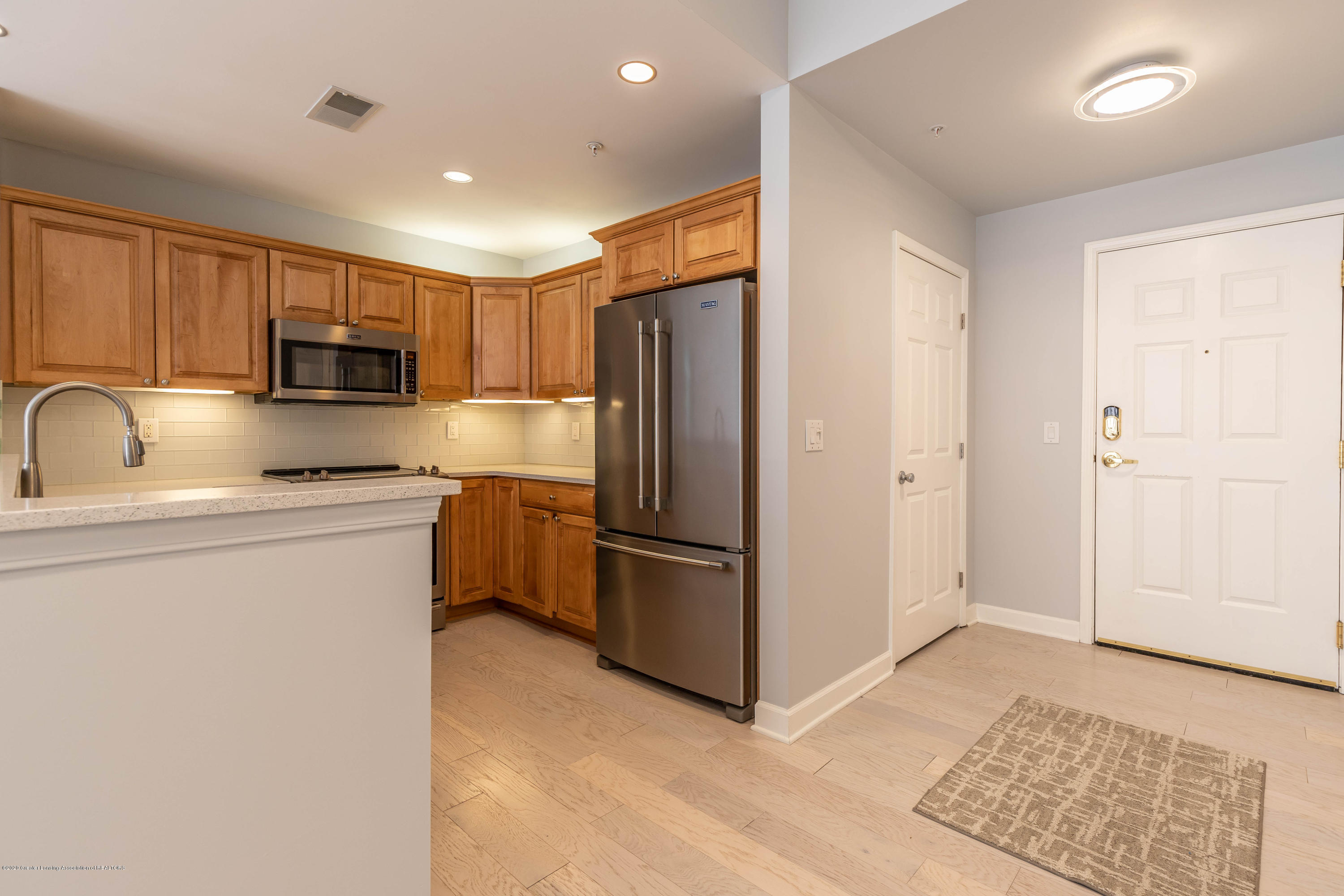 220 M. A. C. Ave Apt 313 - Kitchen - 9