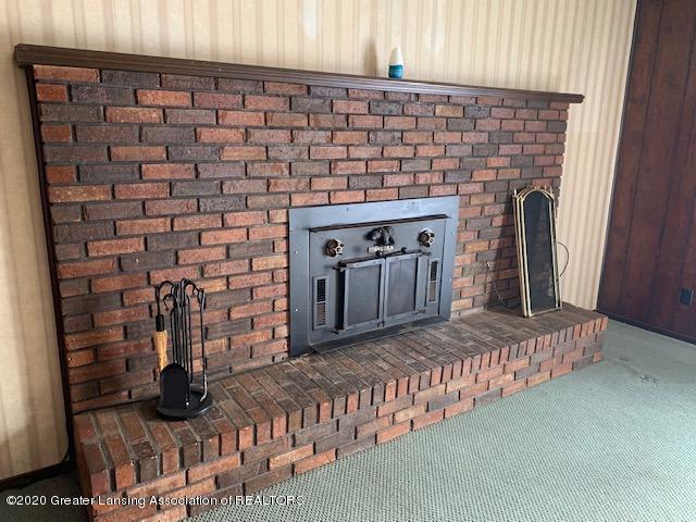 1487 S Warren Rd - Fireplace - 8