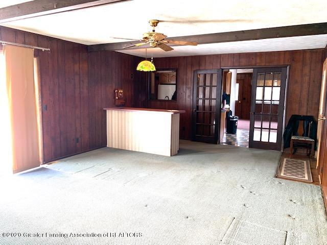 1487 S Warren Rd - Living Room - 9