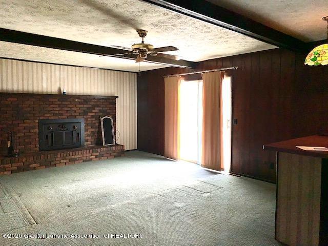 1487 S Warren Rd - Living Room - 7
