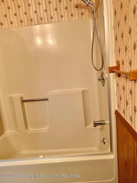 1487 S Warren Rd - Bathroom - 16