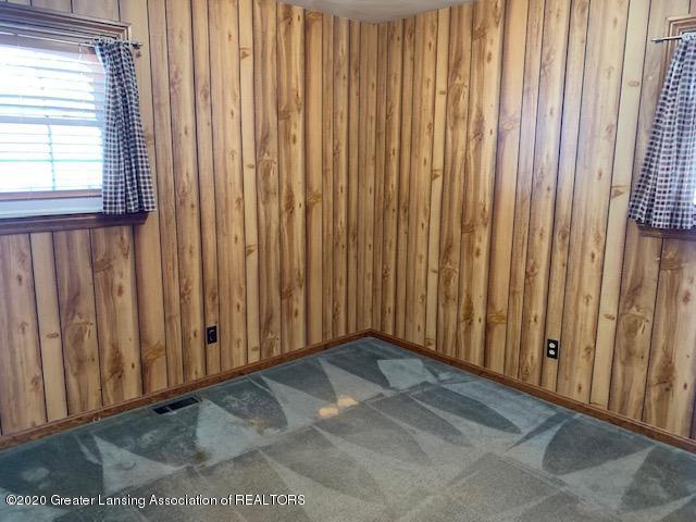 1487 S Warren Rd - Bedroom - 21