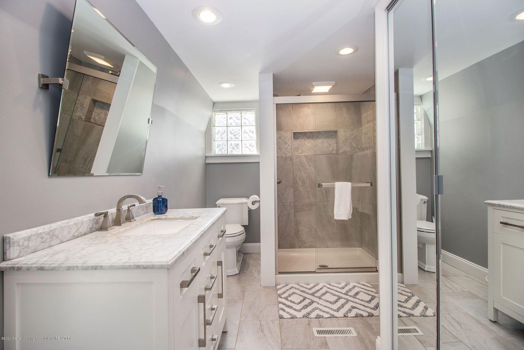 808 Water St - 2nd Floor Full Bath - 24
