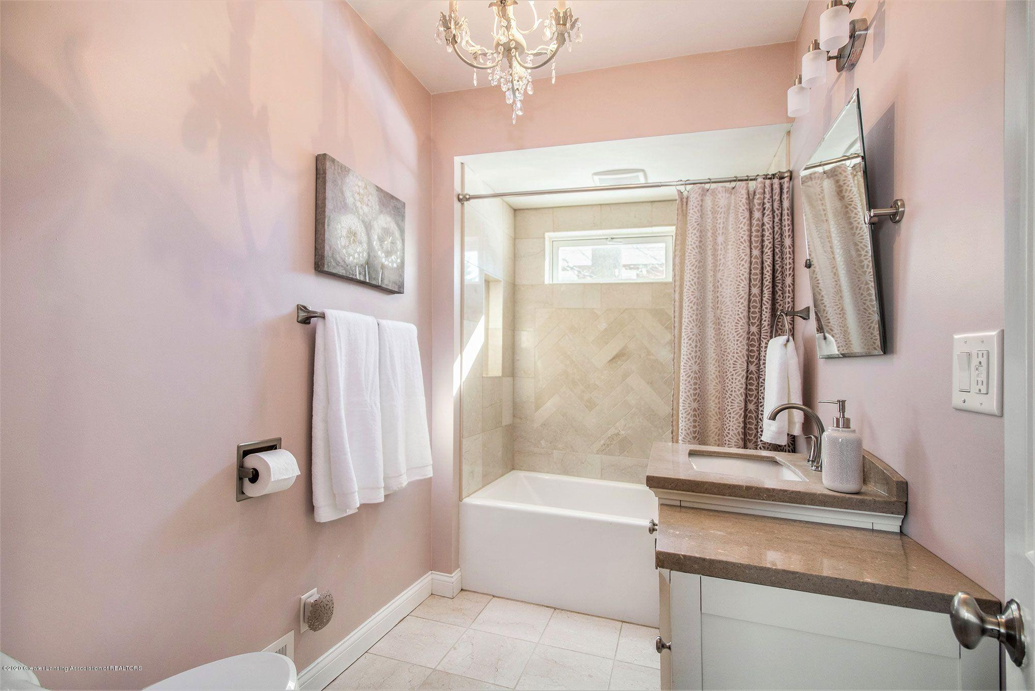 808 Water St - Full Bath - 17