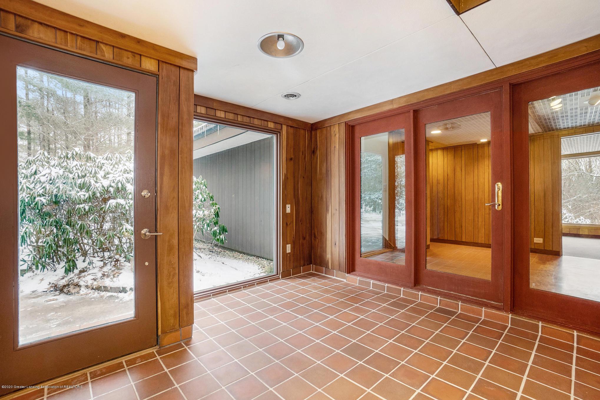 4045 Van Atta Rd - Foyer - 39