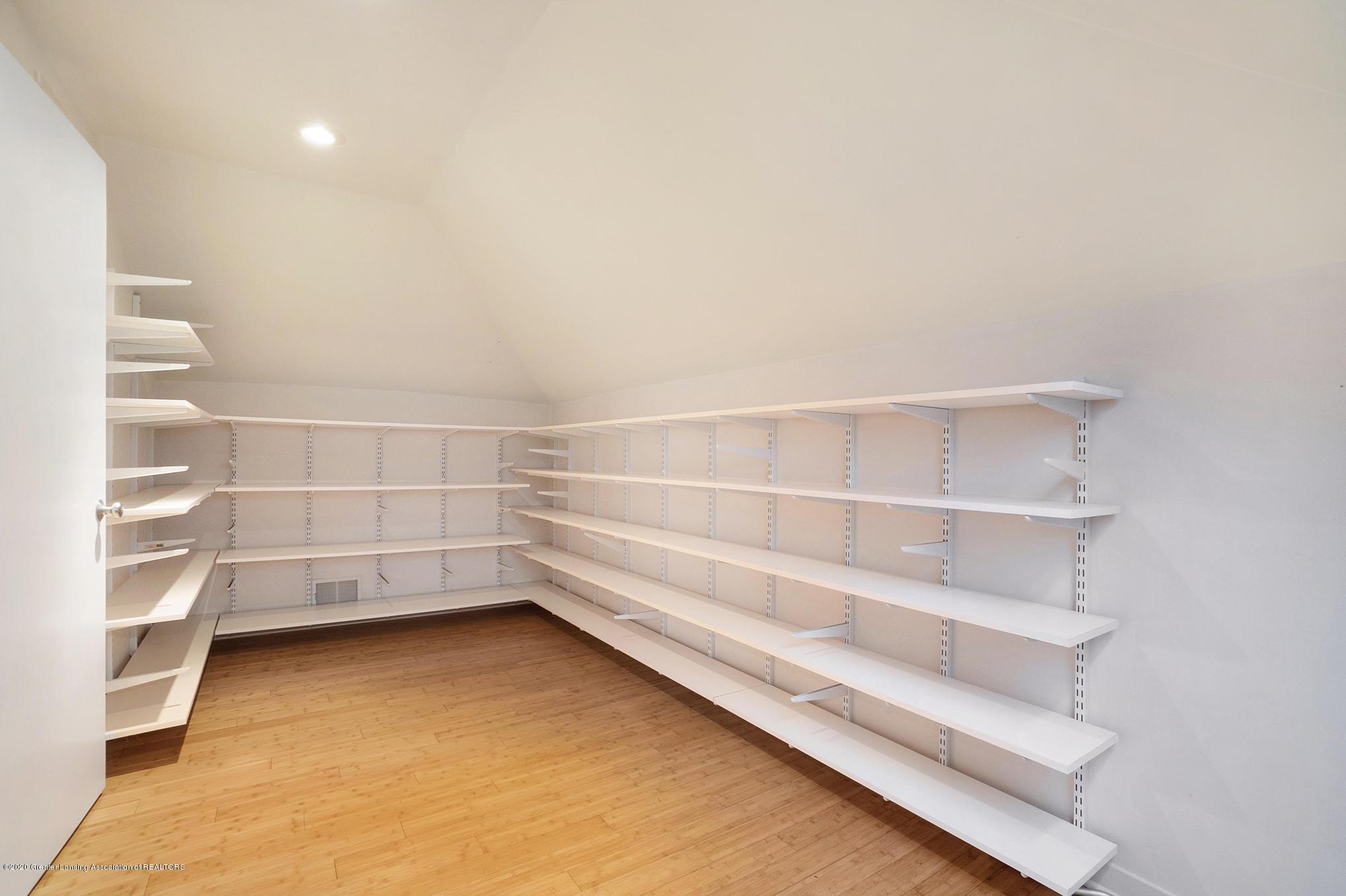 4045 Van Atta Rd - Master Closet - 36