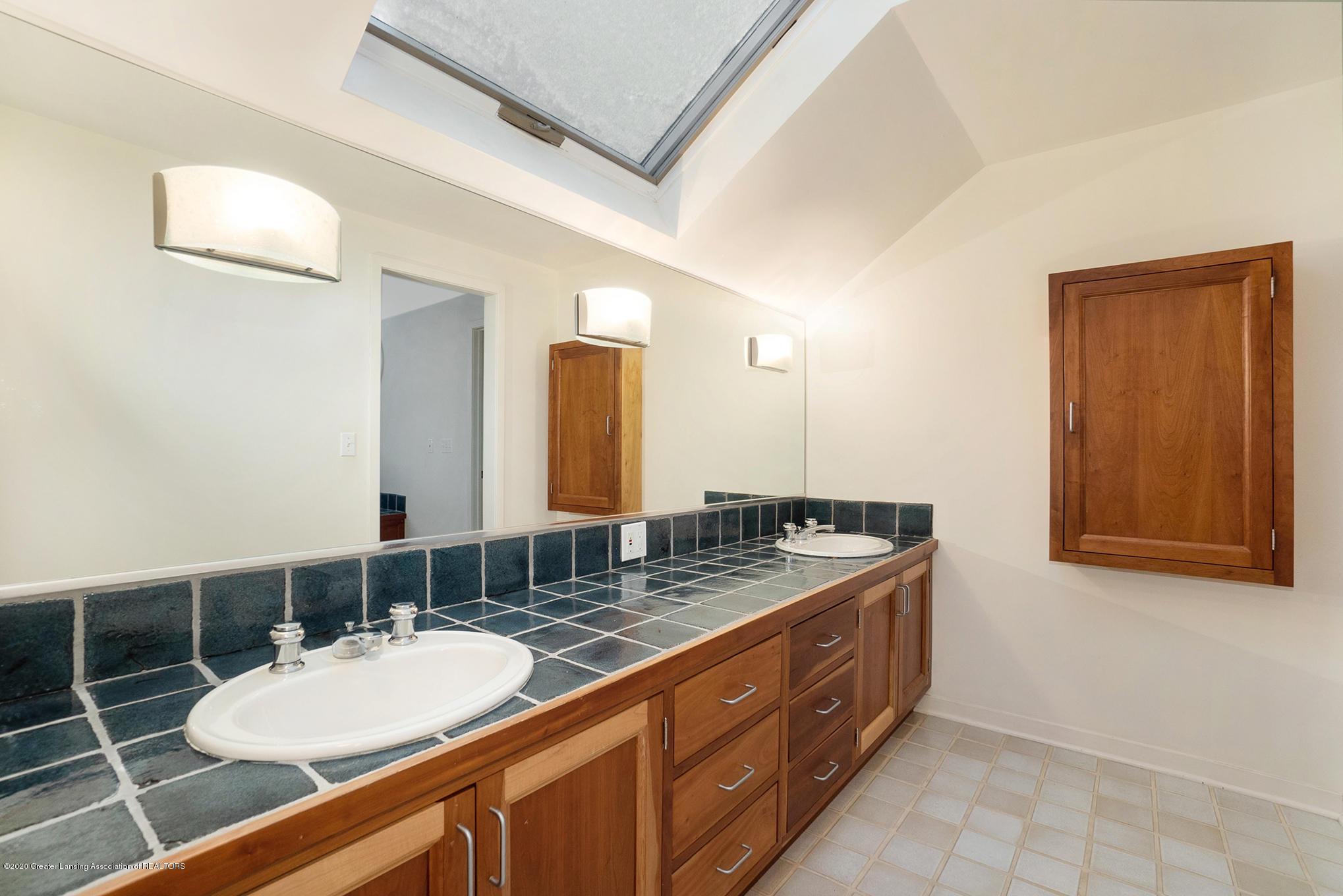4045 Van Atta Rd - Master Bathroom - 35