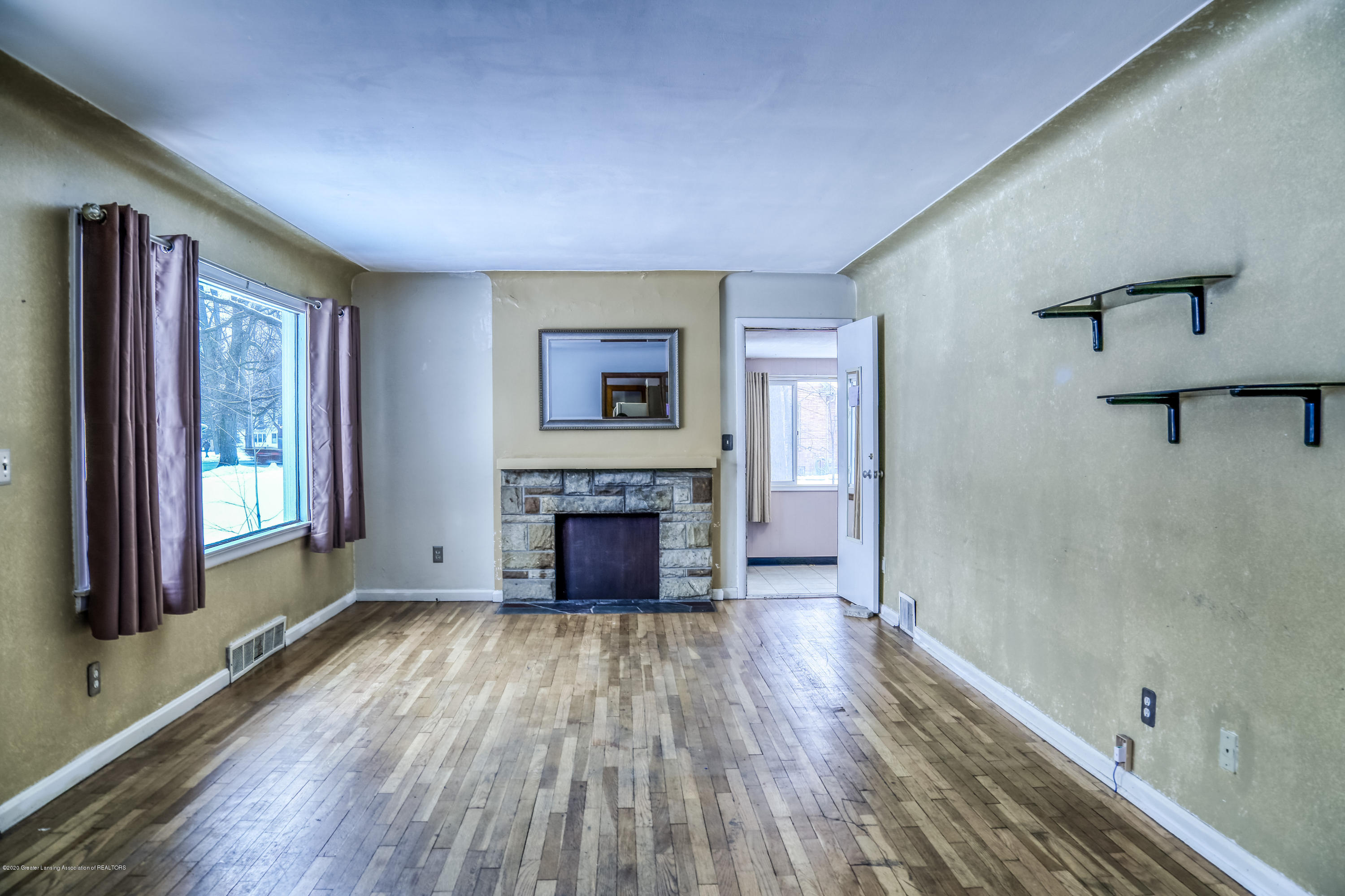 234 N Hagadorn Rd - Living Room - 6