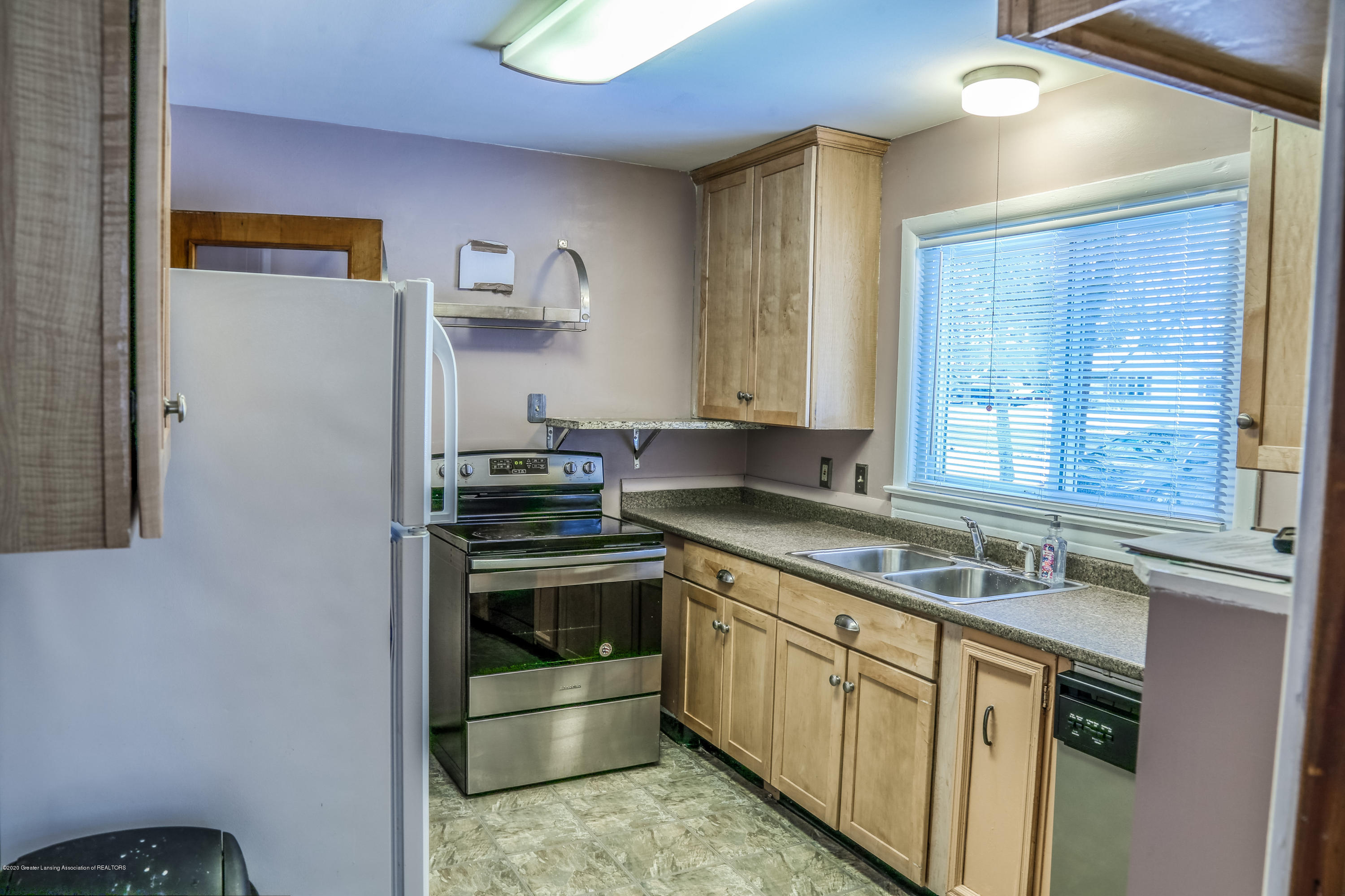 234 N Hagadorn Rd - kitchen - 9