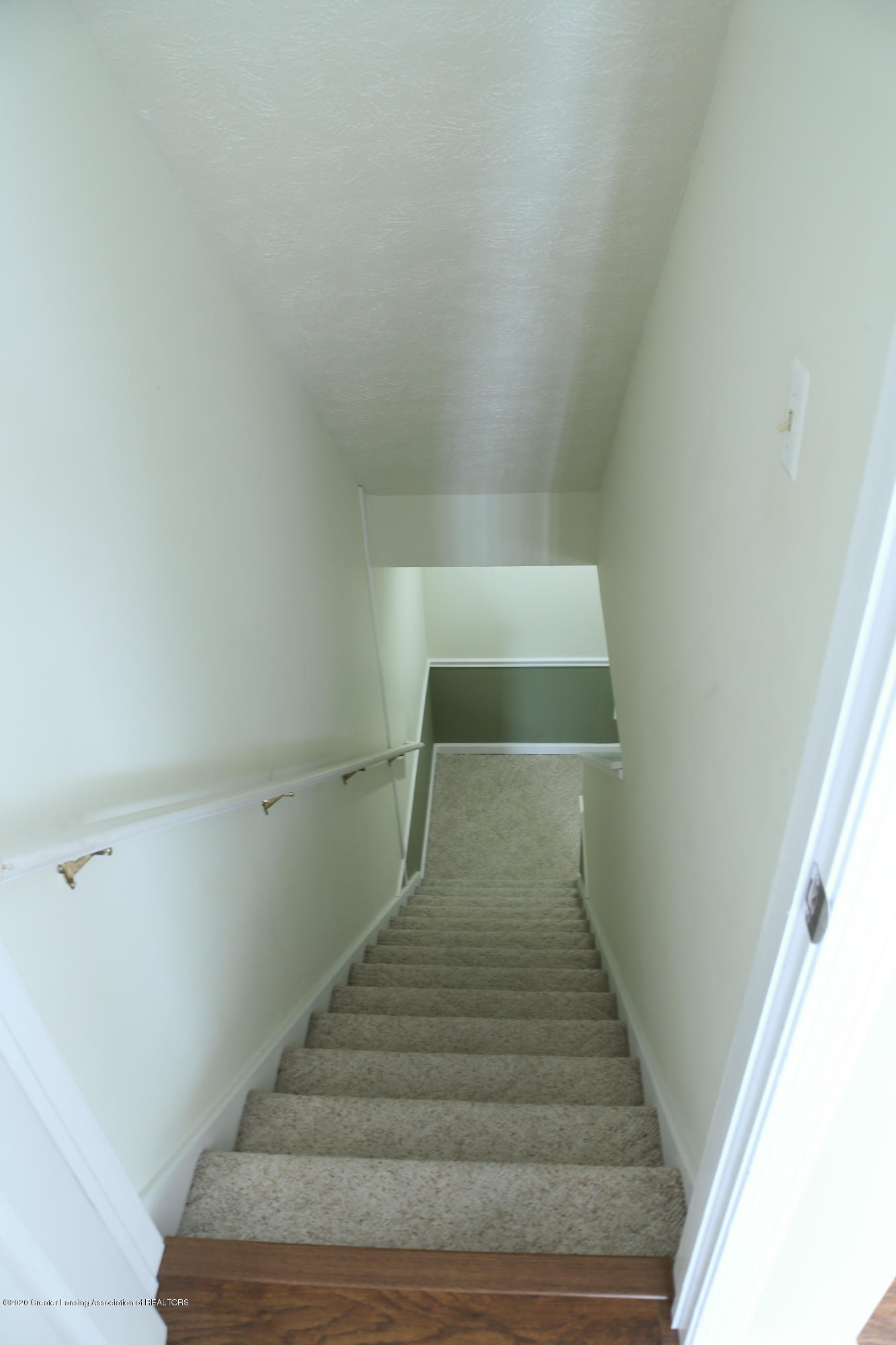 761 Winding River Dr - stairs - 28
