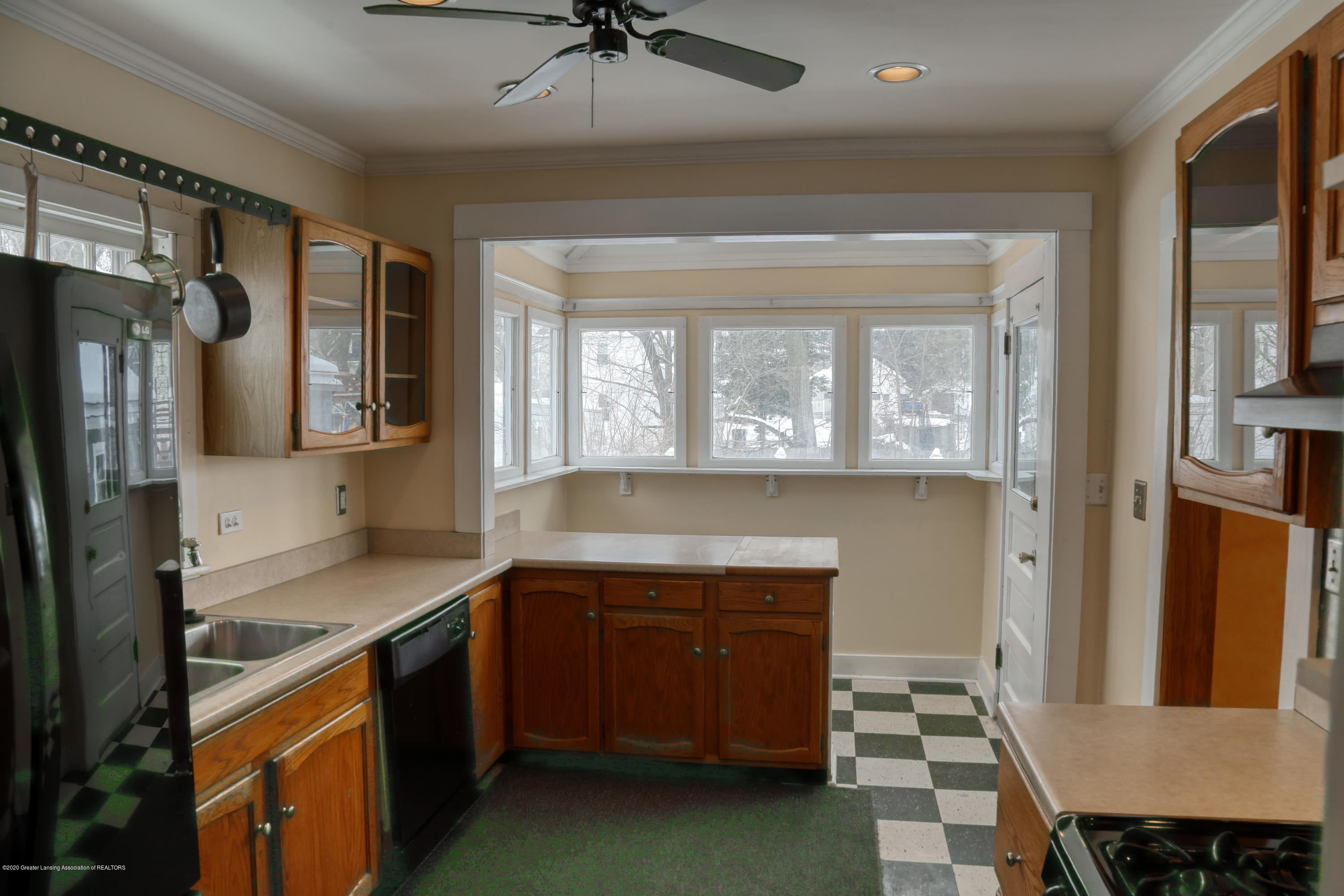 2005 Forest Ave - kitchen - 16