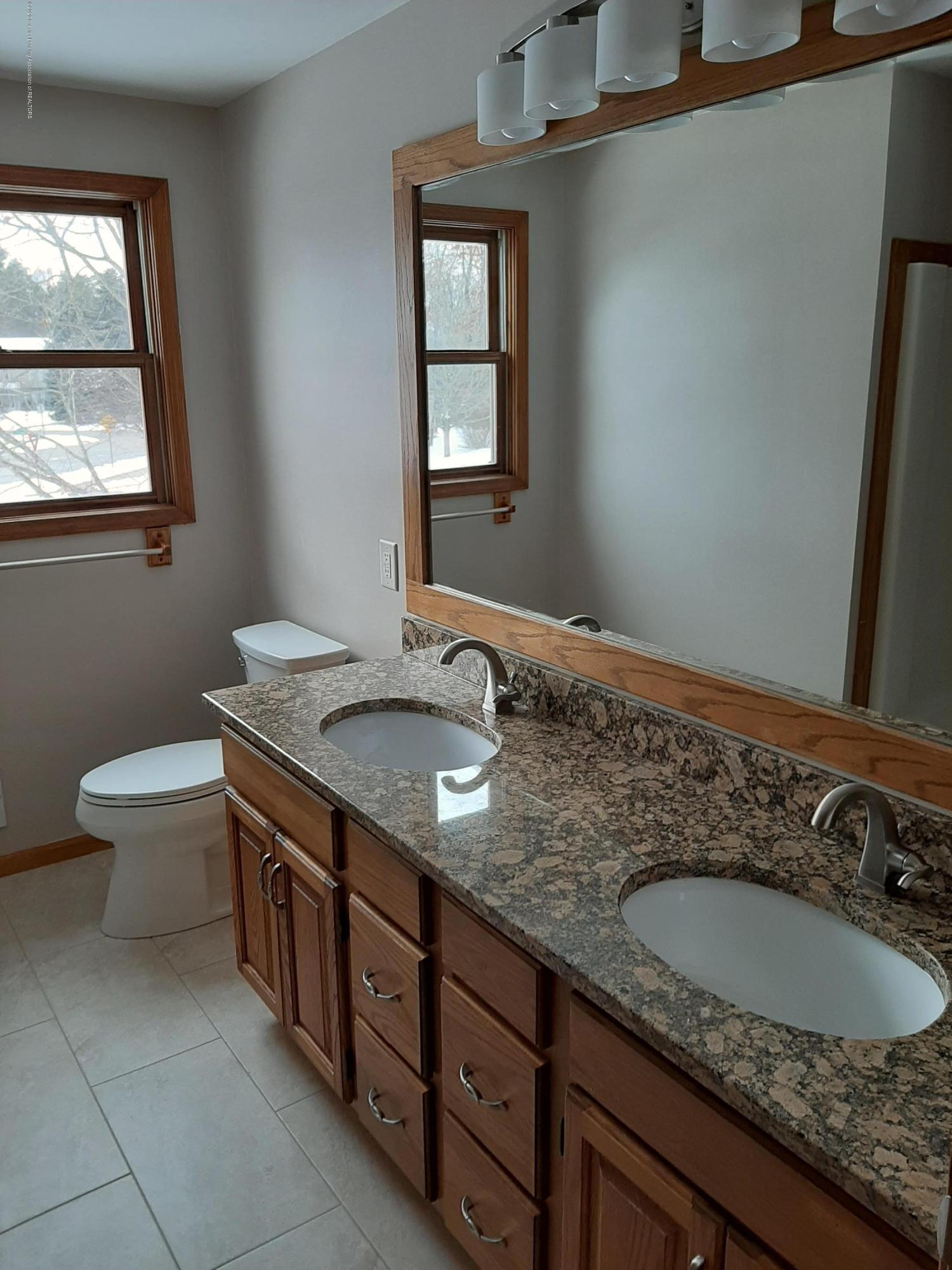 4366 Alderwood Dr - Master Bath - 7