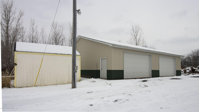 7459 Rossman Hwy - barn front - 5