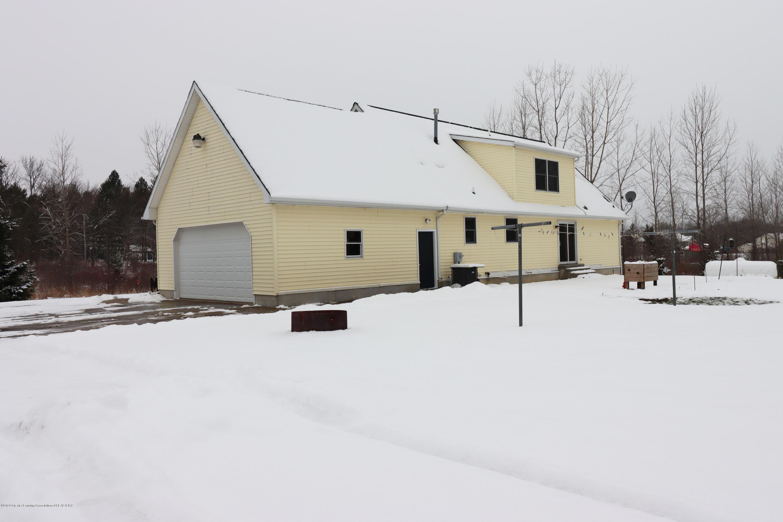 7459 Rossman Hwy - house back - 4