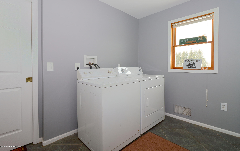 7459 Rossman Hwy - laundry - 19