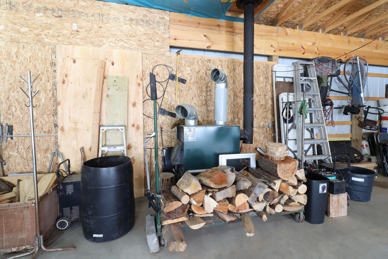 7459 Rossman Hwy - barn wood stove - 8