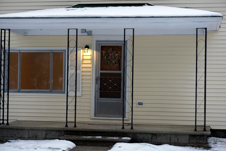 219 W 1st N St - Front Porch - 24