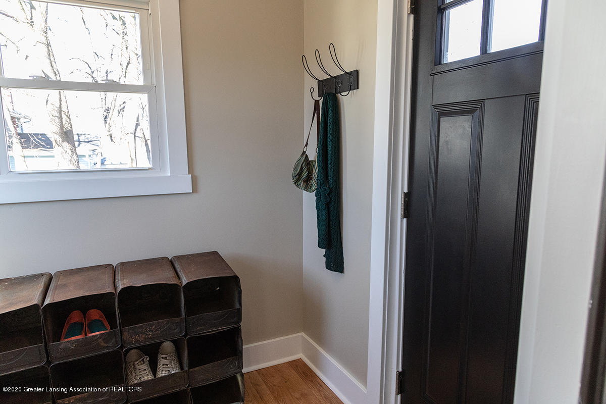1314 W Ottawa St - Mudroom 2 with back entry - 22