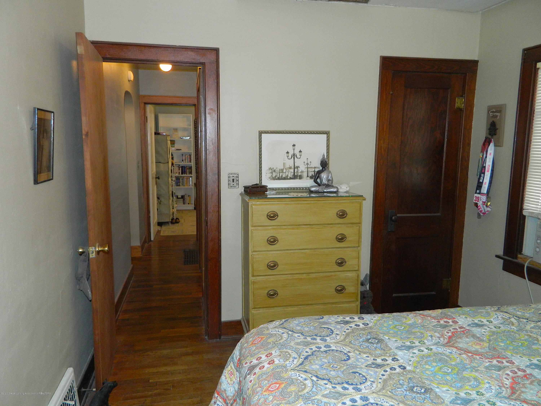 916 Dakin St - Master Bedroom_DAKIN 916 - 8