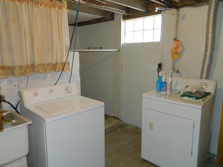 916 Dakin St - Laundry Room_DAKIN 916 - 11