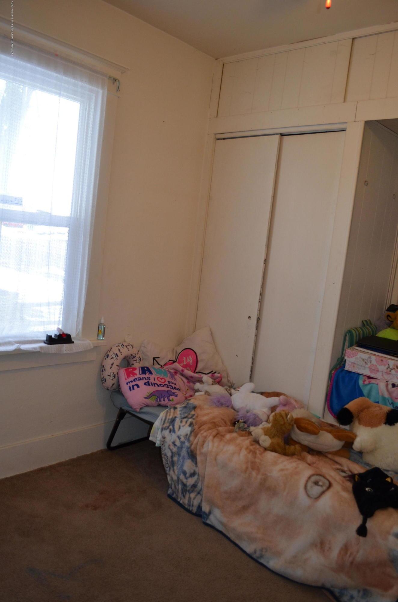 2296 Cedar St - Bedroom 1 - 12