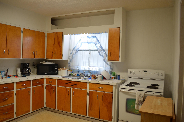 2296 Cedar St - Kitchen - 9