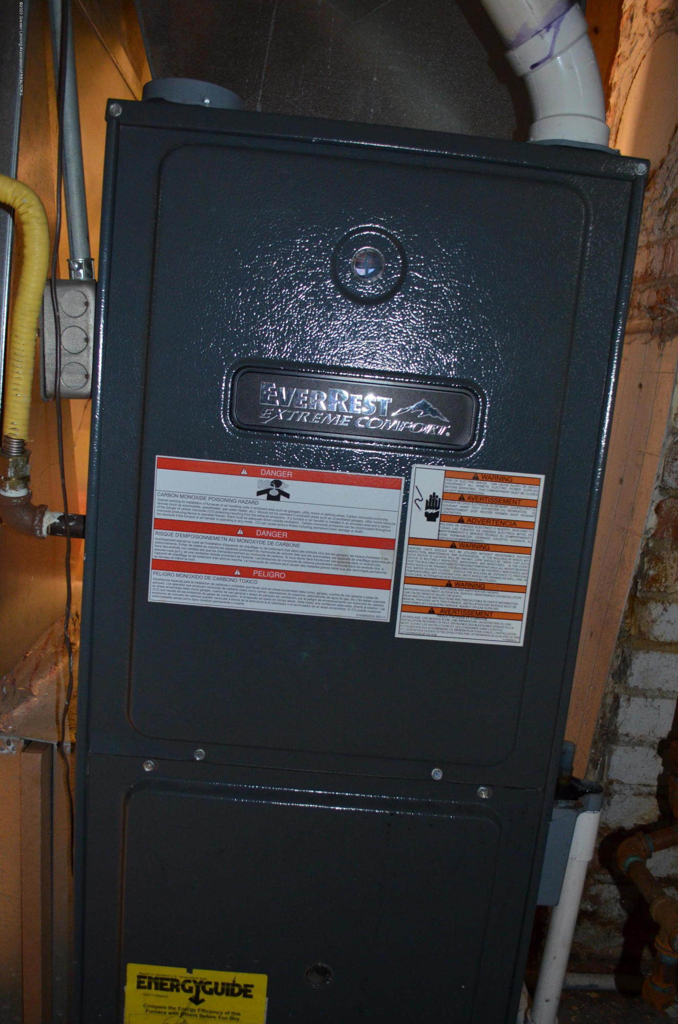 2296 Cedar St - Newer Furnace - 25