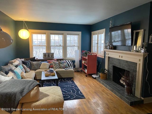 3200 Ellen Ave - Living - 2