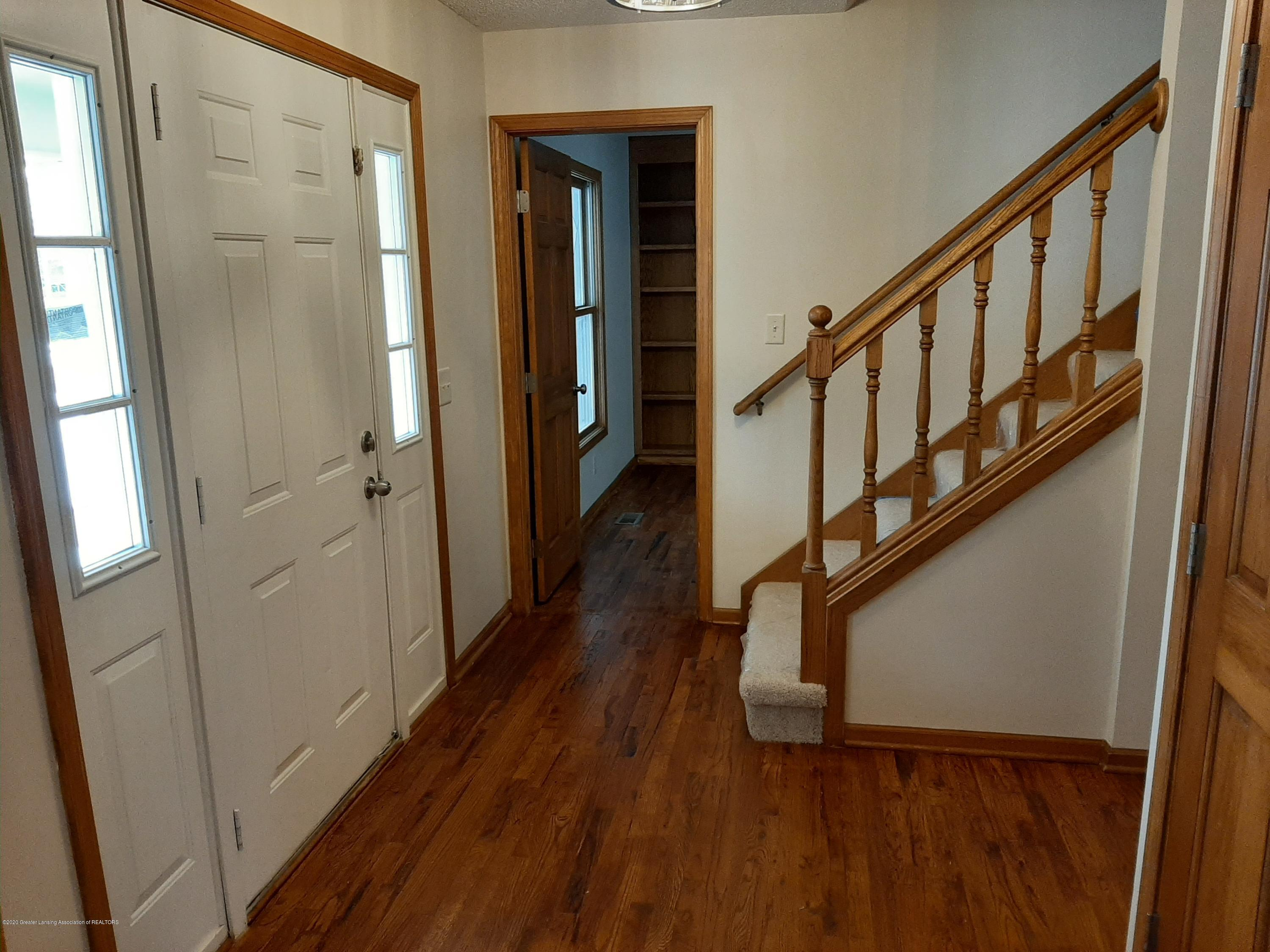 4366 Alderwood Dr - Entry Room - 15