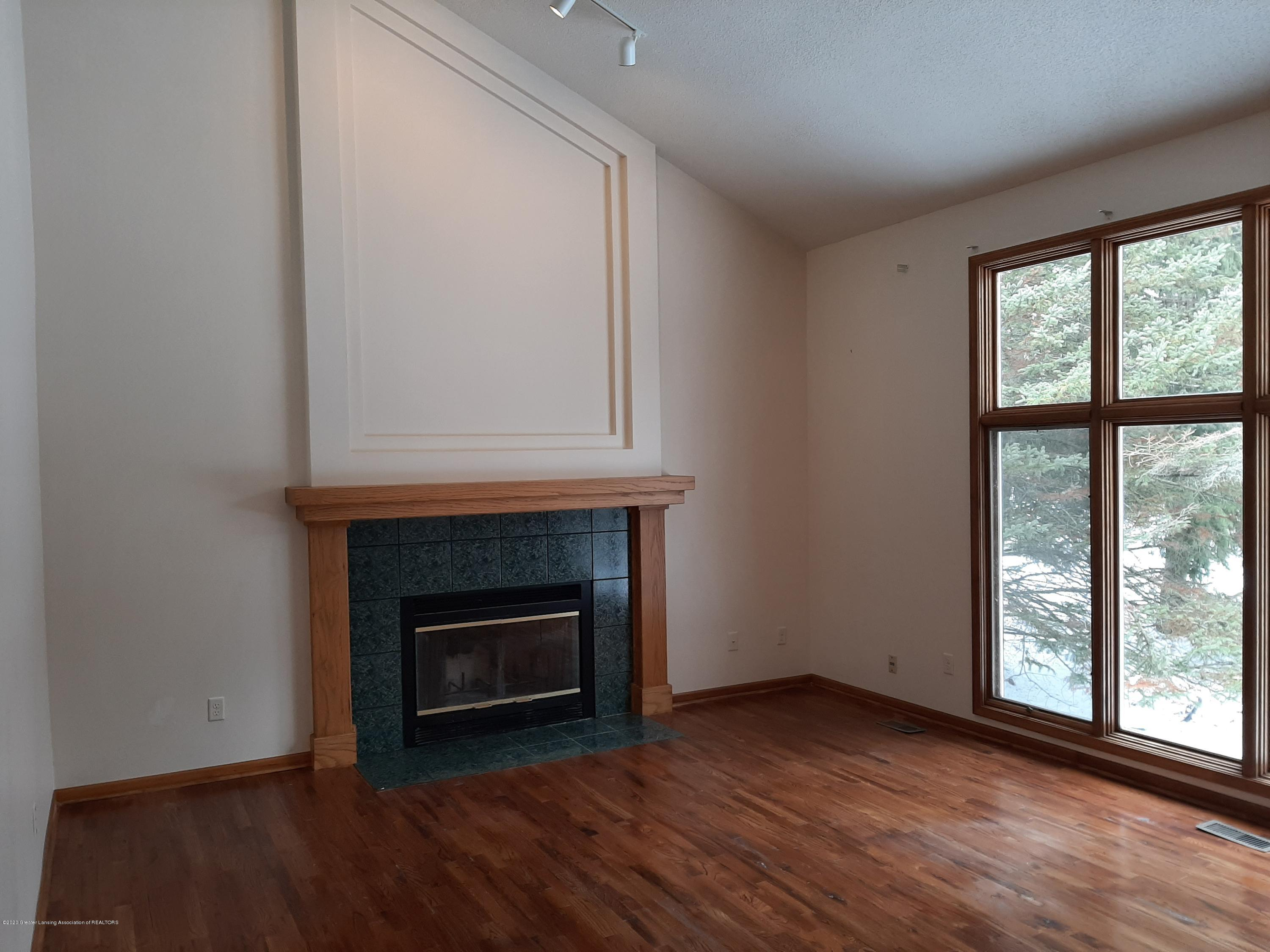 4366 Alderwood Dr - Great Room - 18